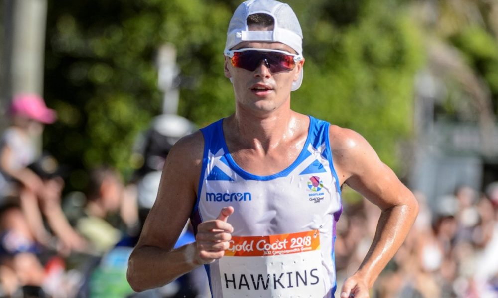 Scottish athlete Callum Hawkins collapses as he leads Commonwealth Games marathon